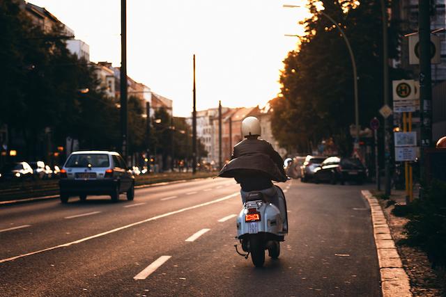 Roller im Straßenverkehr in Berlin