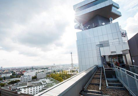 Blick von der Dachterrasse des rbb Fernsehzentrums in der Masurenallee